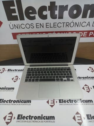 Macbook Air 13 i7 8GB 256GB SSD