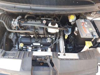 Chrysler Grand Voyager 2006 gasolina