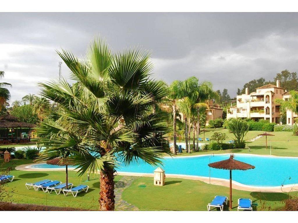 Apartamento en venta en Guadalmina en Marbella (Atalaya Isdabe, Málaga)