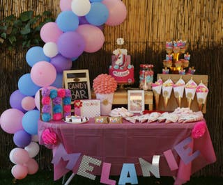 MESA DE DULCES (CANDY BAR),TARTAS Y DECORACIÓN.