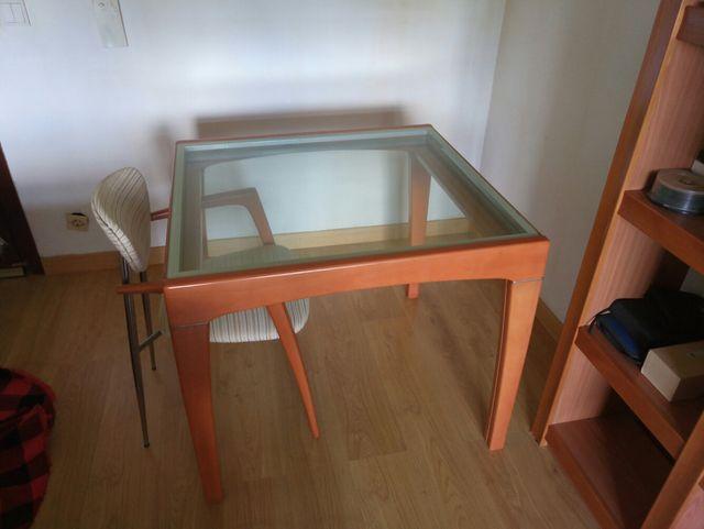 Mesa extensible comedor madera maciza y cristal de segunda mano por ...