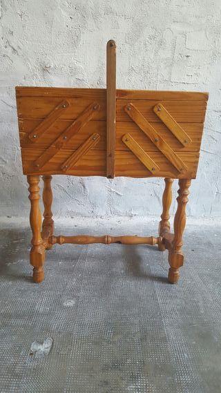 Mueble auxiliar costurero de segunda mano por 60 en for Mueble costurero