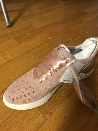 Zapatillas Geox! Ideales. Nuevas!!!!