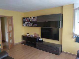 Mueble modular con 2 años en perfecto estado.