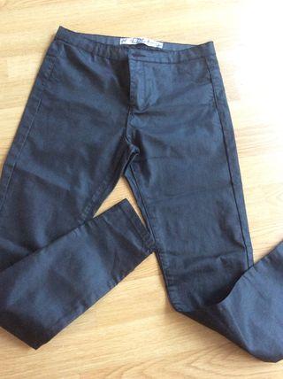 Pantalon elastico efecto cuero