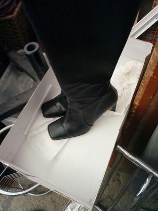 botas de mujer ,nuebas,,39,