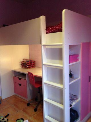 Habitación modular niña con cama y escritorio