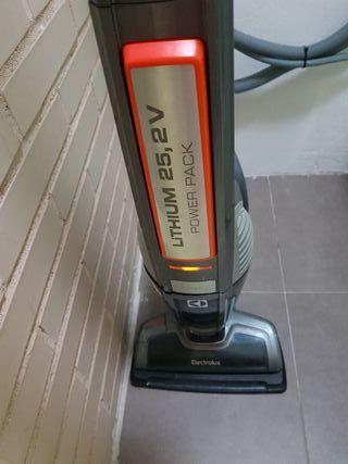 Aspirador Escoba Electrolux Ultra power 25,2v