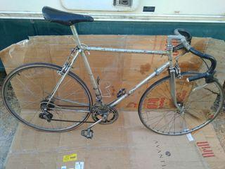 bicicleta de carreras maino