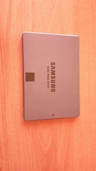 Disco duro solido SSD