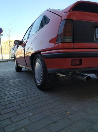 Opel KADETT2.0 GSI ENTERO ROJO
