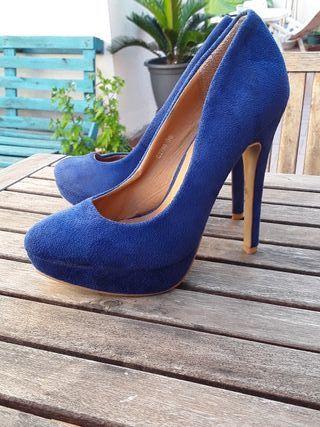 Zapatos de tacón alto azul electrico