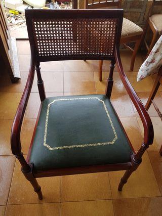 Silla madera caoba. Vintage. Antiguedad.
