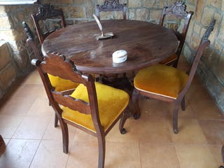 Conjunto antiguo sillas,mesas aparador.