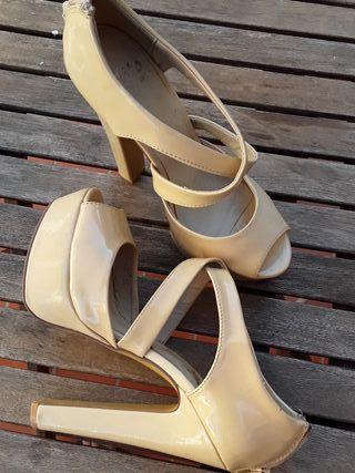 Zapatos color Nude