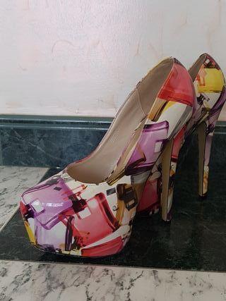 Segunda Tacon Perfumes Por Rxdcbwoe Con De Zapatos Mano Dibujos 25 67vbyYfg