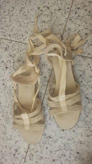 Sandalias de esparto. Talla 34