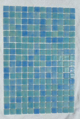 Gresite tonos azul de 2,5x2,5 cm (8 €/M2)