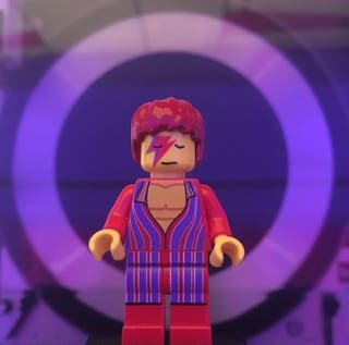 David Bowie figura PRECINTADA
