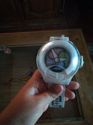 reloj y álbum de yokai watch