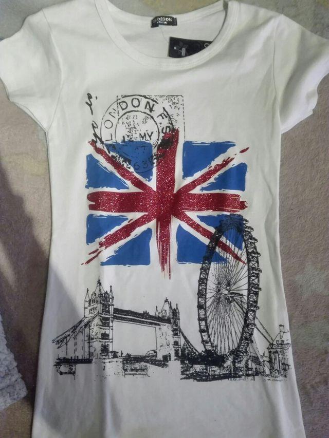 37386b360d Camiseta Londres de segunda mano por 5 € en Alcorcón en WALLAPOP