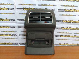 8R0864376B - Consola central trasera AUDI A4 A5 Q5
