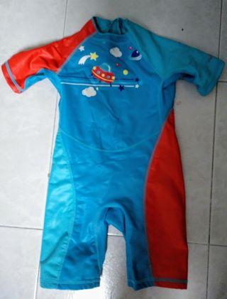 traje piscina niño