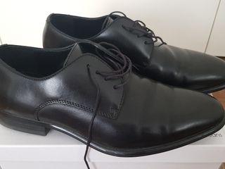 Zapato Piel Talla Mano Segunda Caballero 17 Por 44 De Zara rwHrZRq
