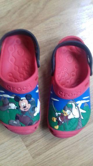 zuecos zapatos Crocs