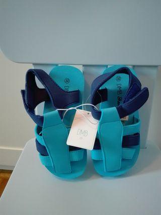 Zapatillas piscina nuevas n.30