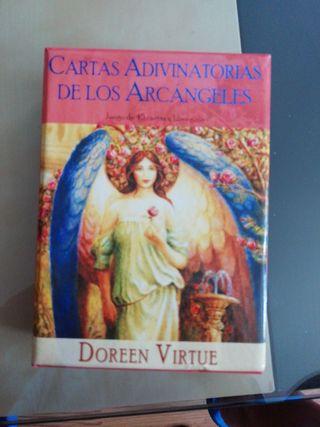 Conjunto de cartas adivinatorias de los Arcángeles