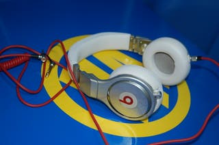 Auriculares DR. DRE model BEATS PRO cable nuevo