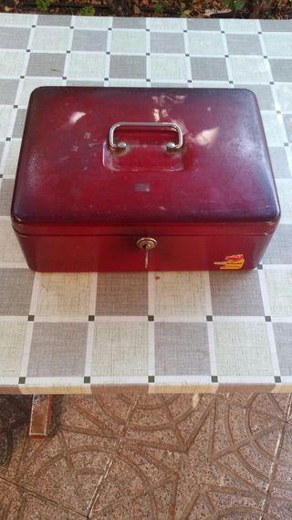 caja de caudales metal. 30x24x9
