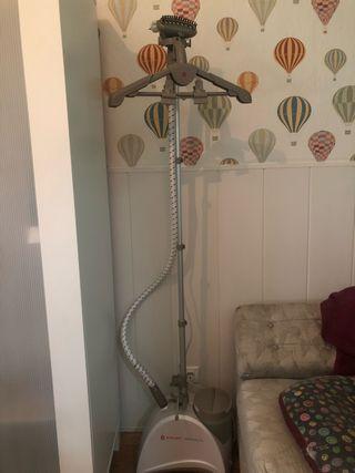 Centro de planchado vertical