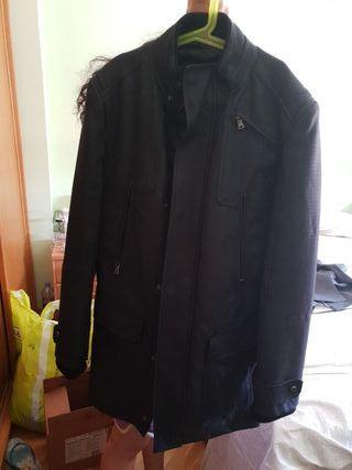 abrigo Zara man gris