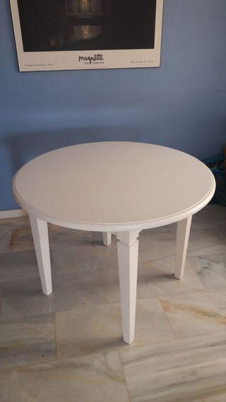 Mesa de 1m.+cristal+enagüillas