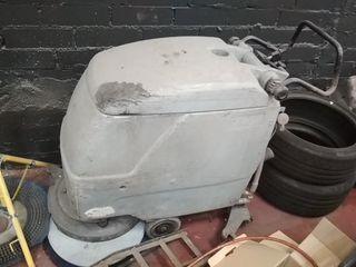 fregadora de suelos industriales