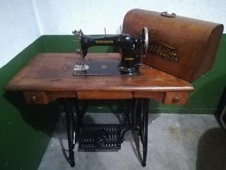 Máquina de coser Wertheim, muy bien conservada.