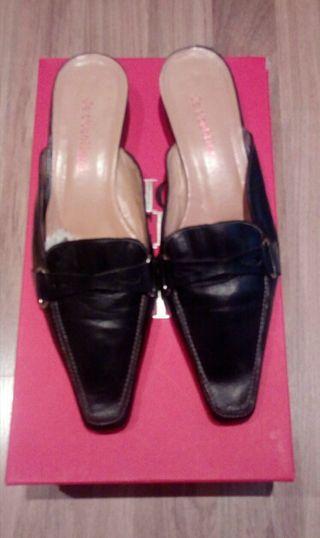 zapatos piel HOY 17€
