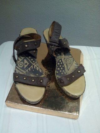 zapato sandalia.