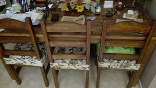 mesa madera y sillas