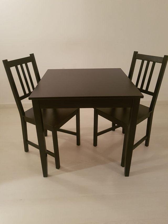 Ikea: mesa comedor Lerhamn y 2 sillas Stefan de segunda mano por 40 ...
