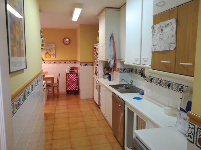 Muebles de cocina de segunda mano por 300 € en Zaragoza en WALLAPOP