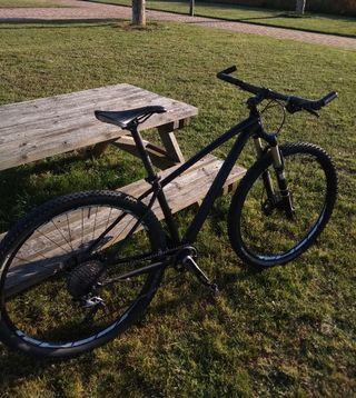 "Bicicleta Specialized Rockhopper 29"""