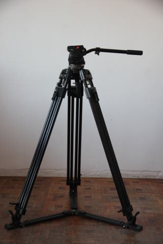 trípode de video manfrotto
