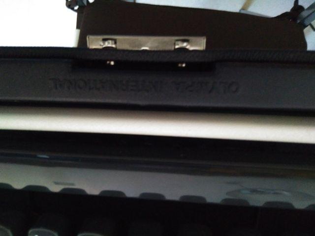 máquina de escribir olimpia traveler