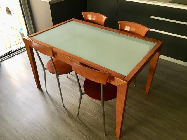 Mesa comedor extensible + Sillas de segunda mano por 325 € en Anglès ...
