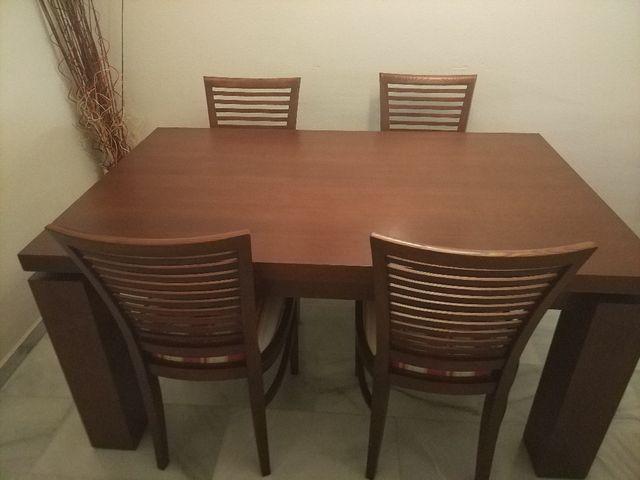 Mesa y sillas de comedor de castaño de segunda mano por 400 € en ...