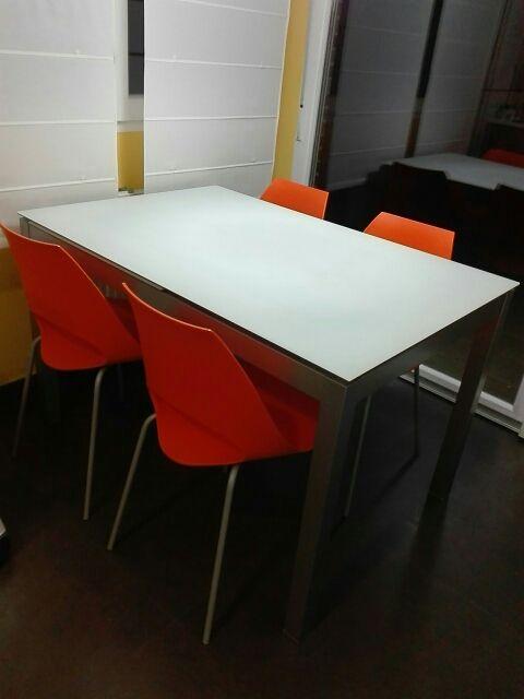 Mesa y sillas de cocina de diseño de segunda mano por 300 € en Irun ...