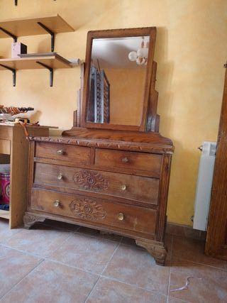 Muebles antiguos de segunda mano por 50 en madrid en - Muebles antiguos madrid ...